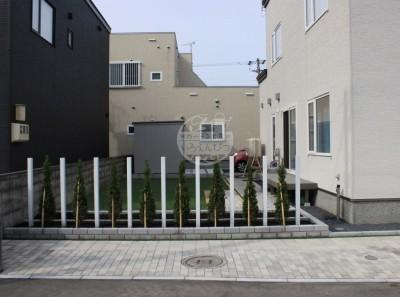 札幌市北区新琴似 テラス ロシェナチュラル 目隠し 人工芝 デッキ