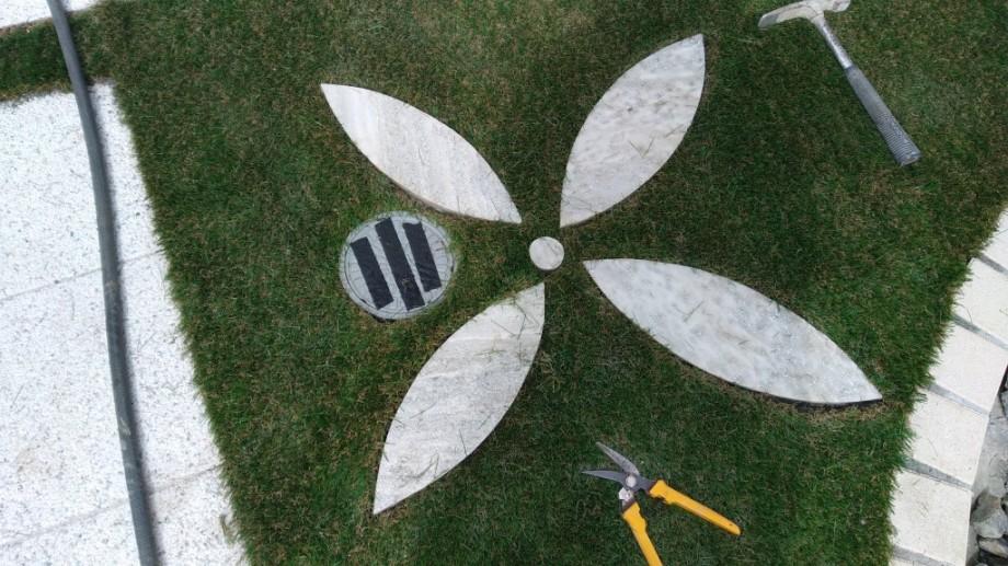 札幌市 人工芝 汚水枡を隠す