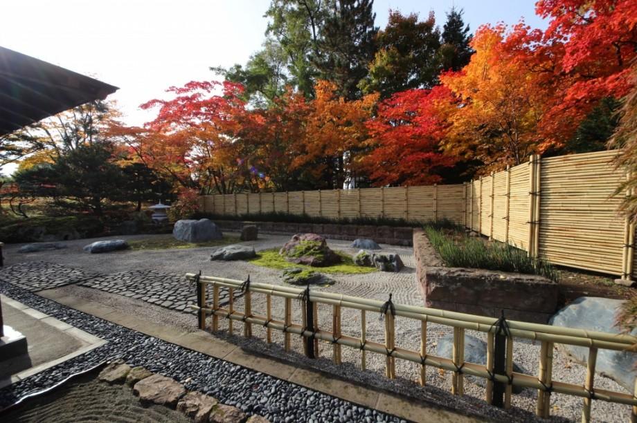 札幌 金閣寺垣