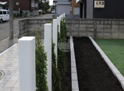 札幌市北区新琴似 枕木材R LIXIL 花壇 菜園 コニファー