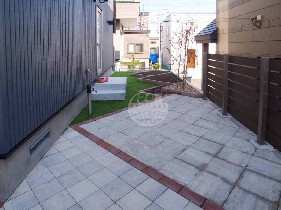札幌市 テラス ロシェ・ナチュラル・モクプラボードフェンス タカショー エスビック